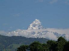 Пик  Маччхапучхра, вид из Покхары, Непал